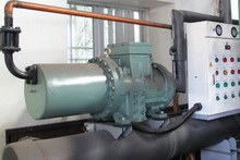 Heat-treatment water cooled chiller